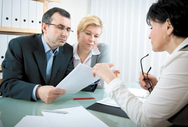 Необходимо обратиться в компанию по страховым делам